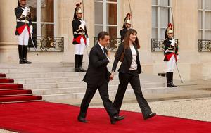 Nicolas-Sarkozy-and-wife.png